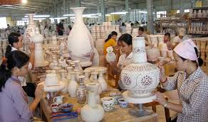 Promote exports of wood and handicrafts to the European market